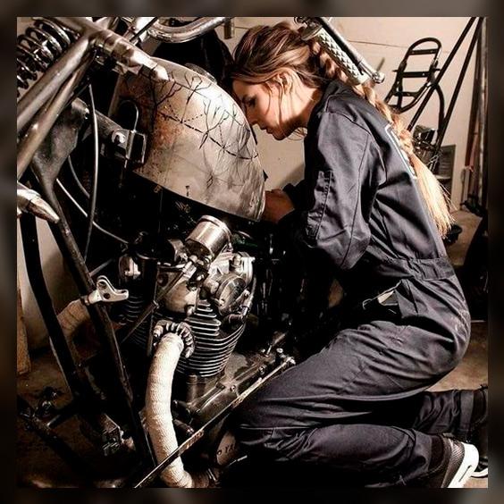 Так выглядит ремонт мотоцикла в наших мечтах